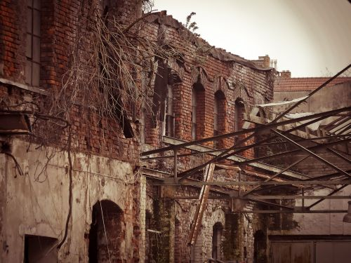 gamykla,griovimas,palikti,sunaikinimas,sunaikinta,sunaikintas,gamyklos pastatas,siena,nuplėšti,išsiskirti,senas,architektūra,senas pastatas,pramoninis pastatas,pasibaigė,avarija,trumpalaikis,pastatas,prarastą vietą,sugadinti