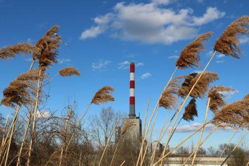 gamykla,gamta,pramoninė gamykla,kaminas,senas,debesys,architektūra,dangus,oras,gamta ir aplinka,elektrinė,dabartinis,industrija,aplinka