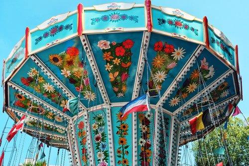 šviesus, karuselė, metų rinkos, folkloro festivalis, važiuoja, apžvalgos ratas, šurmulio, linksma, pramogų, carnies, pramogų parkas, Mesti, nuotaika, malonumas, adrenalinas, greitis, Gondola, spalva, į ratą, festivalis, spalvingas