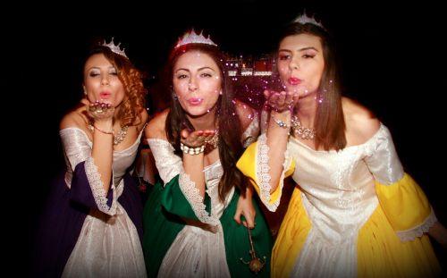 fėjos,likimas,fėjų dulkės,prapūstas,magija,trys,mergaitės,grožis,likimas