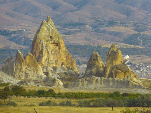 fėjų dūmtraukiai,tufa,uolienos formacijos,cappadocia,kraštovaizdis,gamta,tufos formacijos,fėjų bokštai,apartamentai