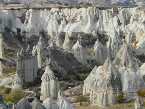 fėjų dūmtraukiai,Gorema,meilės slėnis,uolienos formacijos,tufos formacijos,tufa,slėnis,kraštovaizdis,gamta,cappadocia,Turkija,meilės slėnis