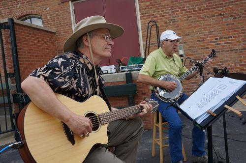 ūkininkų turgus,muzikantai,gitara,banjo,midwest,pramogų atlikėjas,atlikėjas,gatvė
