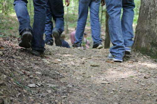 pėdos,vaikščioti,žygiai,takai,miškai,pėdos,asmuo,žygių takas,žygis,gamta,žmonės,nuotykis,kelionė,vaikščioti,lauke,gyvenimo būdas,jaunas,sveikas,kalnas,Sportas,aktyvus,vaikščioti žmonės,pasivaikščiojimas,veikla,kelias,žmonės eina,kraštovaizdis,vaizdas,vaikščiojimas,vasara,laimingas