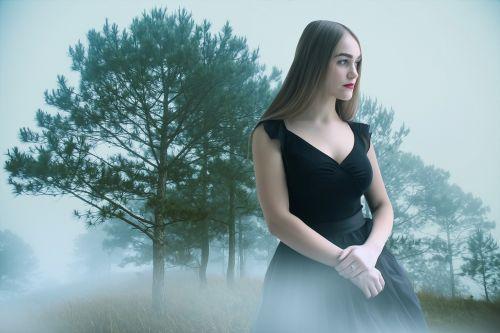 Moteris,moteris,modelis,gotika,gotikos modelis,tamsi,fantazija,romantiškas,rūkas,miškas,elegancija,Lady,portretas,vaiduoklis,vaiduoklis