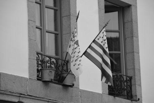 vėliavos, langai, miestas, miesto, regionizmas, Brittany, juoda & nbsp, balta, langas ir vėliavos