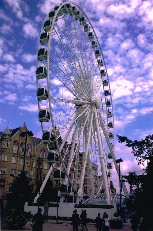 Ferris ratas,Sheffield,uk,Jorkšyras,lauke,vaizdingas,debesys,važiuoti,malonumas,malonumas