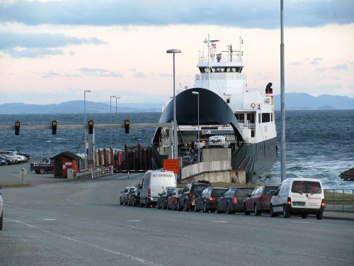 keltas, laukti, eilė, automobilis, valtis, kelionė, rørvik, Trondheim Norvegija, Norvegija, Scandinaviatraveller