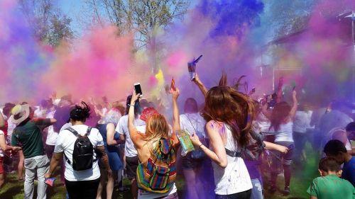 festivalis,spalvotas festivalis,hindi festivalis
