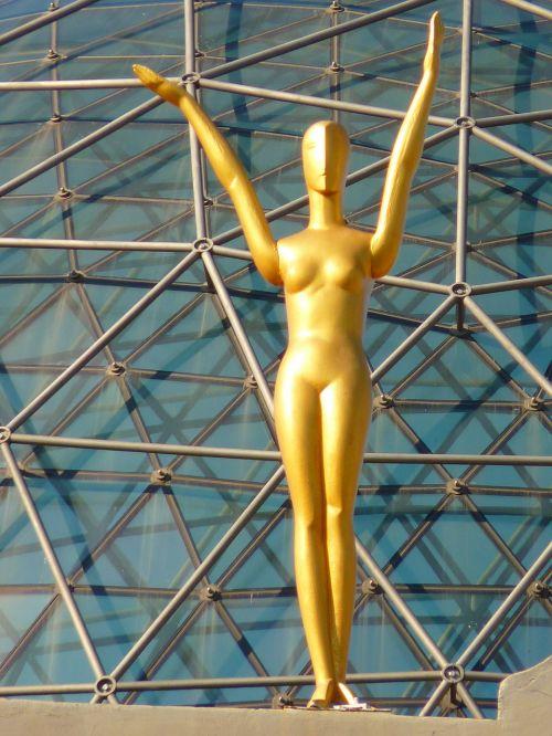 figūra,auksinis,stiklo kupolas,muziejus,dalí,figueras,Ispanija,kupolas