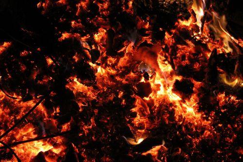 Ugnis,liepsna,angelai,medžio ugnis,Velykų ugnis,laužavietė,deginti