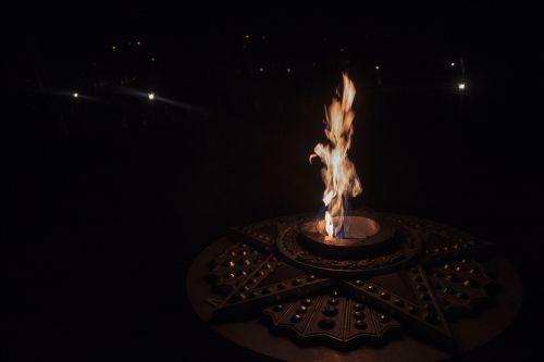 Ugnis,naktis,nudegimai