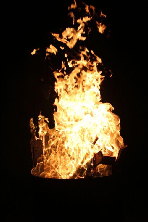 Ugnis, Karštas, Liepsna, Šiluma, Deginti, Angelai, Prekinis Ženklas, Medžio Ugnis, Ugnis, Šiltas, Naktis, Žėrintis