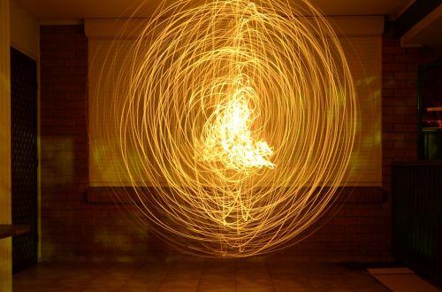 bolidas,šviesa,gaublys,sfera,ugnis