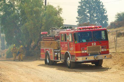 Kalifornija, variklis, Ugnis, gaisro & nbsp, variklis, gaisrininkas, ugniagesių mašina, miškas namas, ugnis, raudona, dūmai, sunkvežimis, Laukinė ugnis, vyzdis, gaisrinis plikasis dūmai