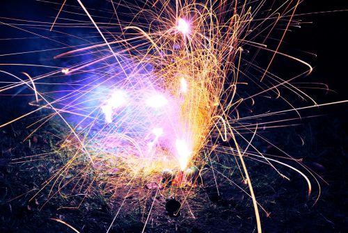 fejerverkai,sprogimas,spalvinga,poveikis,šventė,šviesa,šventė,naujas,metai,sprogo,spindesys,Ugnis,blykstė,žėrintis,žvaigždė,pirotechnika,sprogti,poveikis