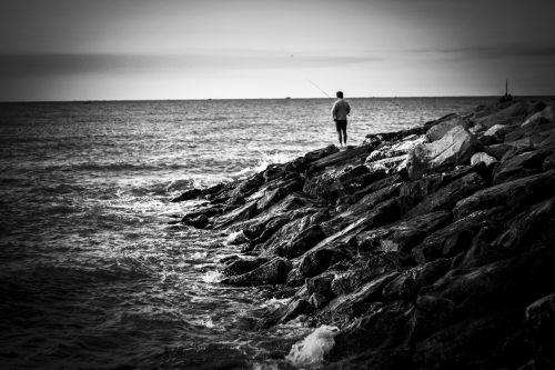 žvejyba,akmenys,jūra,horizontas,asmuo,kantrybė