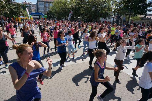 fitnesas,aerobika,plaza,visuomenė,žmonės,šokis