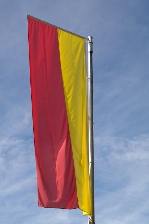 vėliava,geltona,raudona,flagpole,swabia,Švabija Bavarija,švabijos bavarijos vėliava,Swabia bavarijos vėliava,bavarijos švabijos vėliava
