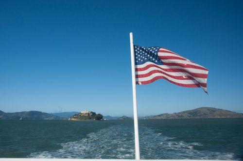 alcatraz, amerikietis, amerikiečių & nbsp, vėliava, mėlynas, Kalifornija, vėliava, ketvirtas & nbsp, liepos mėn ., liepa, patriotinis, raudona, San & nbsp, francisco, san & nbsp, francisco & nbsp, įlankoje, žvaigždės, juostelės, vieningos & nbsp, valstijos, vanduo, balta, vėliavą virš san francisco