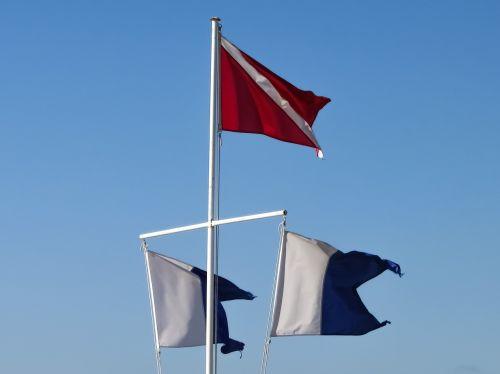 vėliavos,navigacijos vėliavos,jūrų,nudėvėtas,plaukiojantys,vėjas