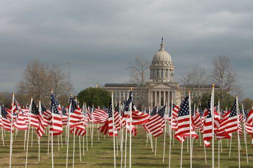 vaikų vėliavos,piktnaudžiavimas,Oklahoma miestas,Oklahoma,pastatas,Jungtinės Valstijos,vėliavos,vyriausybė,politinis,kapitalas,paminklas