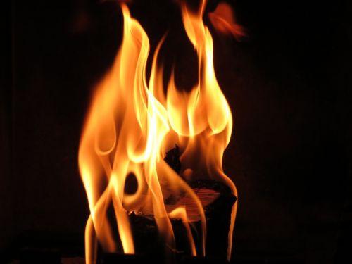 Liepsna, Ugnis, Atvira Ugnis, Šiluma, Heiss, Šiltas, Deginti, Ugnies Liepsnos Ugnis, Energija, Medžio Ugnis, Angelai, Laužavietė, Romantiškas, Židinys, Medis Židiniams, Ugnies Šviesa, Ugnis, Blaze, Švytėjimas, Raudona, Oranžinė, Jaukus