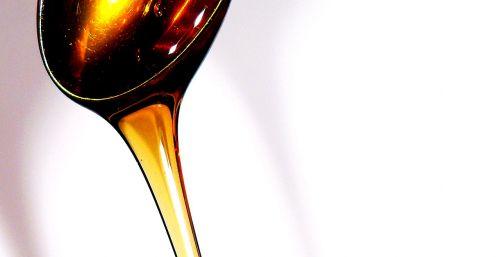 gėlių medus,mityba,valgyti,skystas,geltona,mėgautis,sveikas,auksas,aukso geltona,medus,medus lašai,skanus,šaukštas,nektaras,saldus,lašelinė,vitaminai,kietas,klampus,cukrus