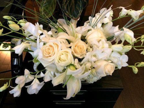 gėlės,floristas,puokštė,gėlių