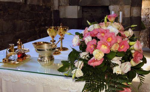 gėlės,altorius,čalis,bažnyčia,santuoka