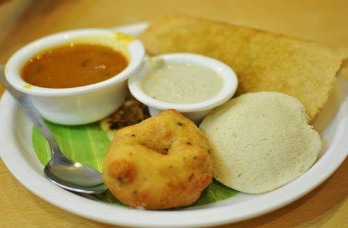 maistas,pietųindianas,Indijos,virtuvė,į pietus,Suji,Tamilis,dosa,užkandis,Indija,ryžiai,idli,vada,sambher,samber,pusryčiai,Chutney,vegetariškas,tuščias,kokoso,sambhar,etninis,veg,masala,maistas,mityba,restoranas,sambar,virti,ruda,patiekiamas,tradicinis,aštrus,plokštė,karis,šviežias