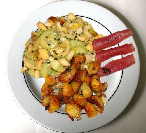 maistas,teismas,rozmarinos bulvės,bulvės,virtos bulvės,kumpio ritinys,Pagrindinis patiekalas,virėjas,valgyti,virti,Vokietija