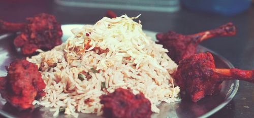 maistas,vištiena,ryžiai,Indija,mėsa,maistas,vakarienė,restoranas,pietūs,plokštė,šviežias,maisto lėkštė,patiekalas,keptas,virimo,virtuvė,keptas viščiukas,vakarienės lėkštė,pietauti,kepta višta