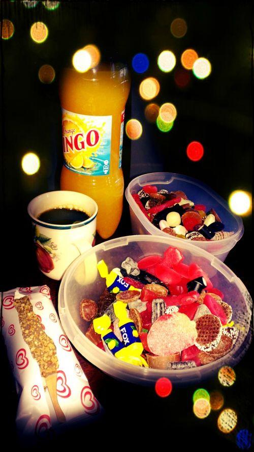 maistas,saldainiai,soda pop,soda,ledai,skanus,cukrus,riebalai,tortas,šokoladas,šokoladas,ledai,mušis,bonbon,dalis,vakarietiškos šviesos,vakarienė maistas