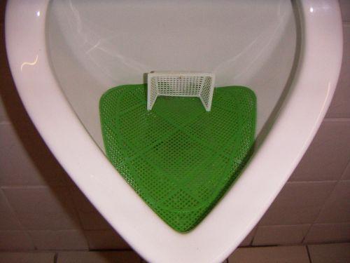 futbolas,tikslas,wc,pisuaras