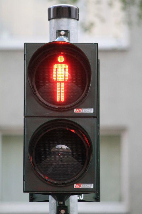 Pėsčiųjų Tiltas,  Raudona,  Sustabdyti,  Eismo Signalas,  Mažas Žalias Žmogus,  Šviesoforas,  Eismas,  Kelio Ženklas,  Vyrai,  Pėsčiųjų,  Šviesos Signalas,  Signalinė Lempa,  Šviesa,  Šviesos Signalas,  Kelias,  Švyturys,  Stovėti Toliau