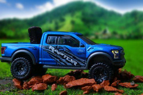 ford,4x4,miniatiūrinė,transporto priemonė,off road,kalnas,žalias laukas,gamta,kraštovaizdis