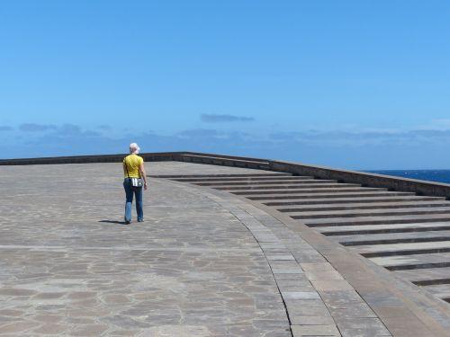 kiemas,erdvė,laisvas plotas,lankytojas,turistų informacija,palaipsniui,laiptai,auditorius Tenerifė,Tenerifės auditorija,architektūra,pastatas,santa cruz,Tenerifė,Kanarų salos