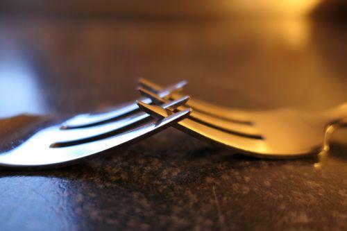 šakutė,pyrago šakutė,stalo įrankiai,metalas,metalinis šakutė,mažas šakutė,blizgesys
