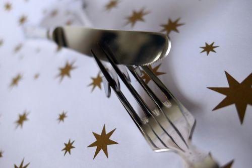 šakutė,stalo įrankiai,peilis,metalas,šaukštas,blizgesys,gastronomija,stalo dekoracijos,kilnus
