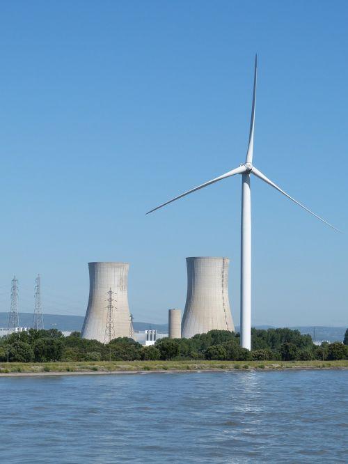 france,rhône,upė,atominė jėgainė,elektrinė,atominė energija,reaktorius,Aušinimo bokštas,industrija,energija,elektra,atominė energija,tricastinas,technologija,vėjo energija,vėjo energija,elektros energijos gamyba,elektros gamyba,Vėjo turbina,aplinkosaugos technologijos,rotoriaus geležtės,vėjo jėgainė