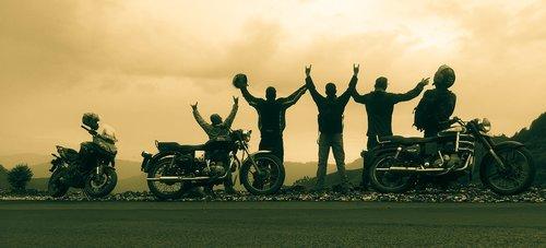 draugai, Draugystė, kelionė, dviratis, linksma, brolybė
