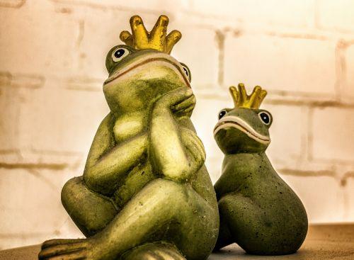 varlė,karalius,figūra,karūna,varlės princas,pasaka,streikuoti,magija,laukti,kantrybė,partnerystė,pasaka,vaikų pasaka,sėkmė,svajones,harmonija,gyvūnas,Haunting,mįslingas,sėdėti,žalias,du,pora,kartu