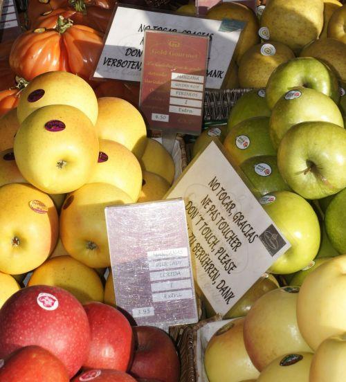 vaisiai,parduotuvė,obuoliai
