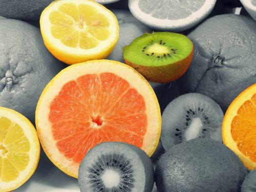 vaisiai,vaisiai,atogrąžų vaisiai,vitaminai,oranžinė,sumaišyti vaisiai,maistas,citrinos,Citrusiniai vaisiai,mityba,skanus,kivi,apelsinai,minkštimas,greipfrutas,frisch,žalias,geltona,sveikas,į sveikatą,spalvinis raktas,griežinėliais,vidiniai darbai,sultingas,supjaustyti perpus,obstmakro