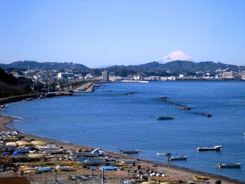 žuvų valtis,otsu,pakrante,Tokijo įlankoje,yokosuka,Kanagawa Japonija,Japonija,mėlyna,aiški danga,Antomasako,sniegas