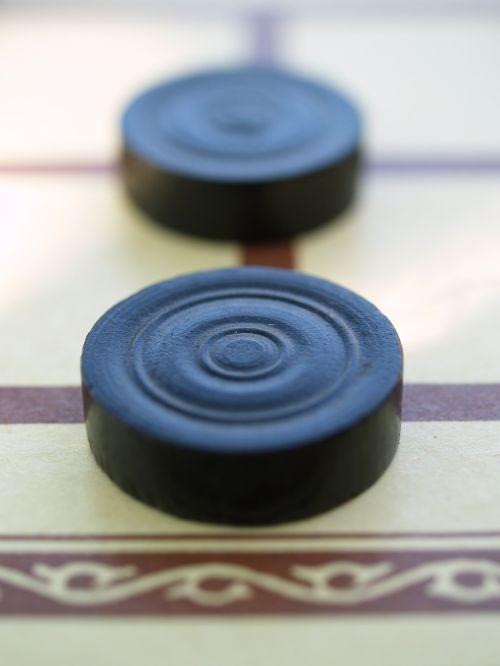 žaidimo akmuo,malūnas,žaisti traukinį,žaidimų lenta,stalo žaidimas,žaidimo figūra,skaičiai,stragetisches stalo žaidimas,žaisti,juoda,smėlio spalvos,ruda,laimėti,mediena