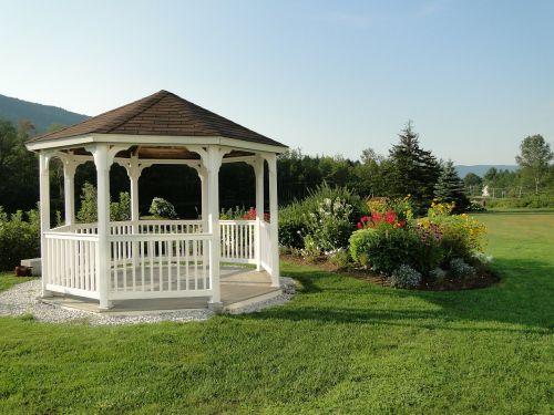 pavėsinė,veja,sodai,vasara,kraštovaizdis,vaizdingas,vaizdingas,kviečiantis,tuščia,parkas,manikiūras