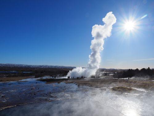 geizeris, strokkur, geizeris strokkur, vandens fontanas, vanduo, vandens išsiveržimas, protrūkis, vandens garai, garų kolonėlė, iceland, blaskogabyggd, geoterminis spyruoklinis šaltinis, šaltinis, geoterminis šaltinis, vulkaninis, išsiveržimas, fontanas, auksinis ratas, garai, vandens stulpelis, vaidyba, be honoraro mokesčio