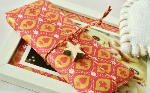 dovanos,pakavimas,laidas,Kalėdinė dovana,supakuotas,Kalėdos,vyniojamasis popierius,paketas,dovanų pakavimas